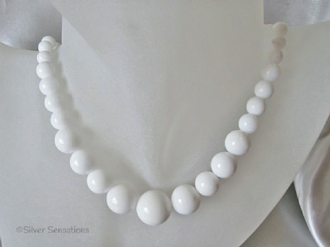 50s/60s Inspired Brilliant White Graduated Jade Beads Sterling Silver Necklace